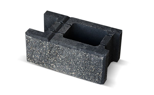 Czarny blok betonowy z Białegostoku