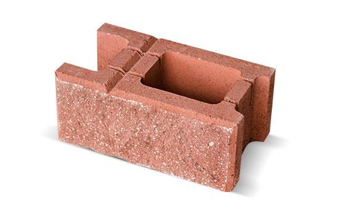 Czerwony bloczek betonowy z ogrodzenia Białystok
